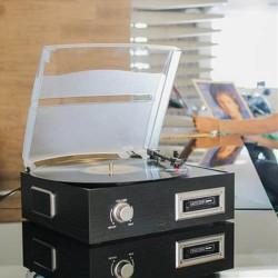 Toca Discos de Vinil e Fita Cassete K7 com Conversor Digital e Alto Falantes Uitech